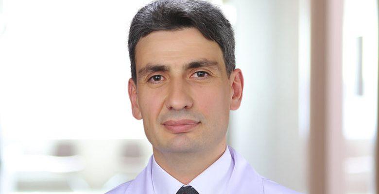 Op. Dr. Mahmut Arslan kimdir?