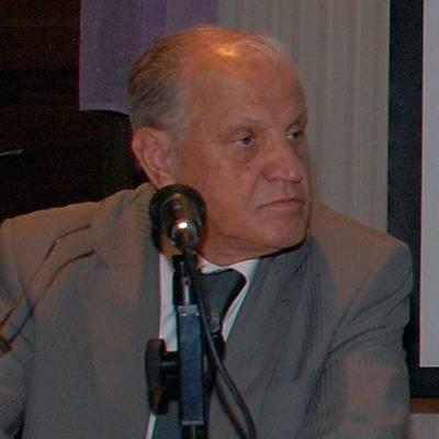 Prof. Dr. Ülkü Azrak -Eski Dekan
